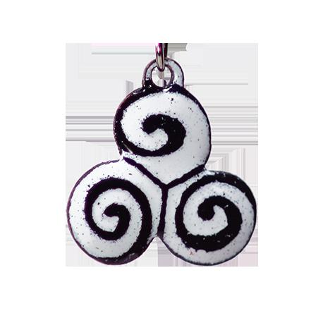 pendentif celtique triskel gwenn a du (detail)