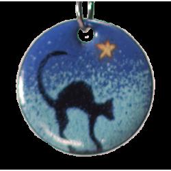 Pendentif rond chat sous l'étoile du berger