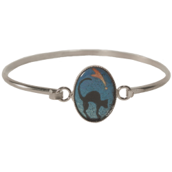 bracelet ovale with cat at the round back watching comet