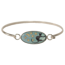 bracelet long ovale cat at the round back under celestial arch