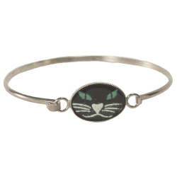 bracelet ovale tête de chat aux yeux émeraude